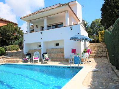 Photo for Villa with private pool, sea views, wifi, A / C, parking, 12 px