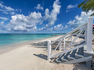 Photo for Fantastic Beachfront - 2 bedroom - Walk to town and restaurants