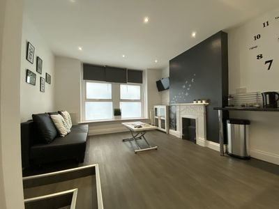Photo for 1 Bed Flat sleeps 4 close to Station & City Centre