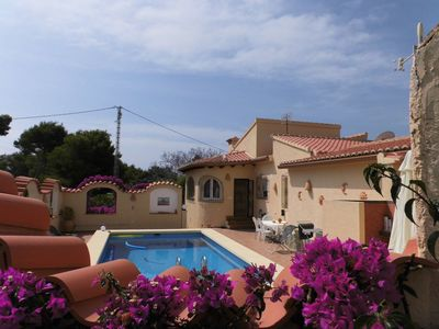Photo for Detached Villa with air conditioning and pool with sea views