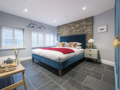 Photo for Iris - 2 minutes from the Harbour and Porthmeor Beach with reserved parking