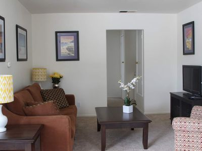 Photo for Spacious Pacific Beach Condo block from Bay