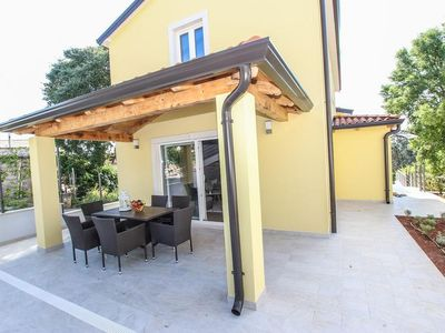 Photo for Modern holiday home with pool for up to 8 persons