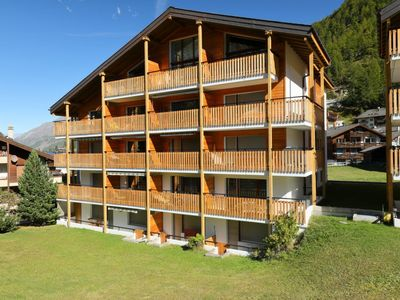 Photo for Apartment Silence in Zermatt - 6 persons, 1 bedrooms