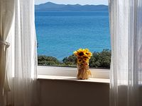 Beautiful area, helpful and friendly hosts, well equipped and comfortable accommodation.