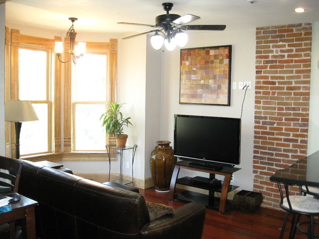 Property Image#4 Downtown Denver Victorian Italianate 1-Bedroom Apartment