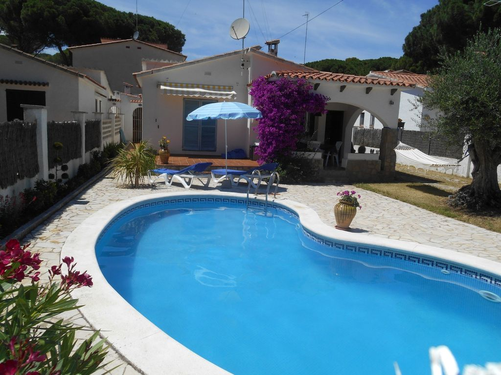 Lu0027Escala Villa Rental