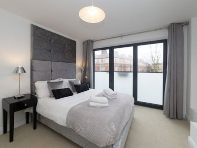 Photo for Boutique Tower Bridge Apartment
