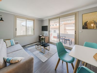 Photo for Beautiful renovated 2 room apartment in the city center