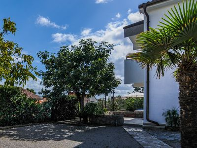 Photo for Holiday accommodation with satellite TV and garden for 4-5 persons