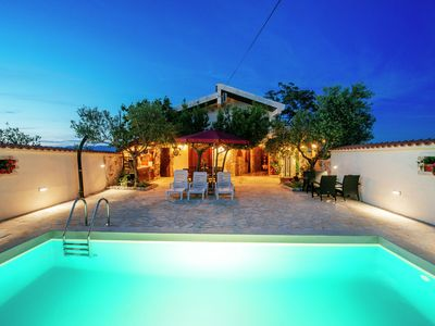 Photo for Charming holiday house with pool in a quiet area, beautiful panoramic view, WiFi