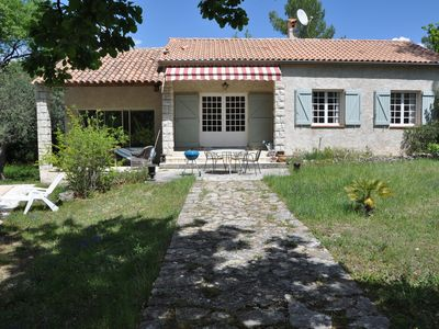 Photo for Provencal holiday home with private pool and large garden, 2,5 km from Seillans