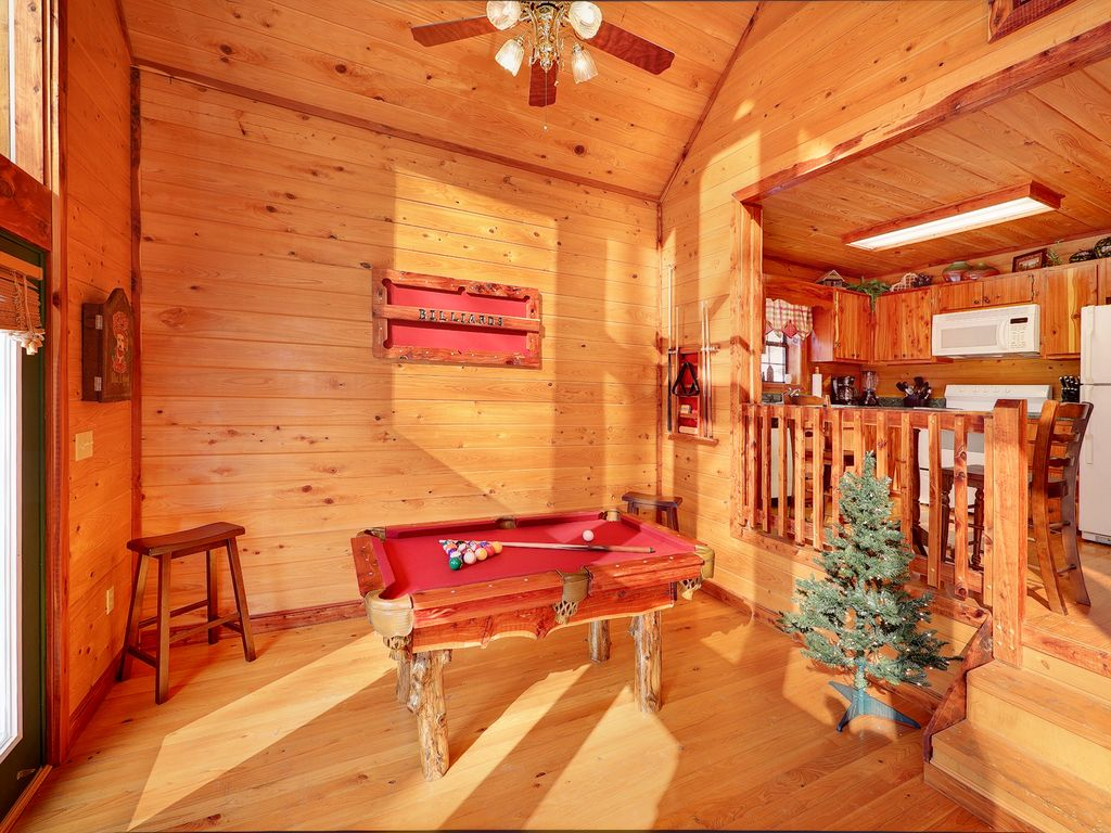 Secluded 1 Bedroom Cabin Bordering The Great Smoky