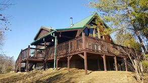 Photo for 4BR Cabin Vacation Rental in Etowah, Tennessee