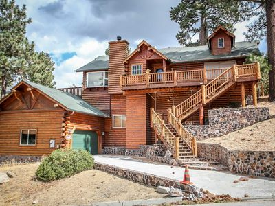Photo for House in the center of Big Bear Lake with Parking, Internet, Washing machine, Balcony (983602)