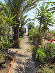 Photo for House with large terrace a few steps from the sea
