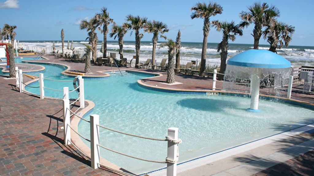 One Bedroom At The Cove On Ormond Beach In Florida Ocean