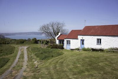 Stables cottage with ample parking space