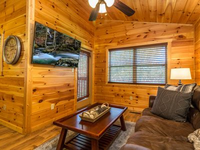 Photo for Shady Cove Cabin Pigeon Forge/10 min to Gatlinburg