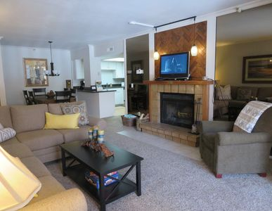 Living Room: Wood fireplace, HD/Cable BlueRay DVD,  Queen pullout ,Prvt.balcony