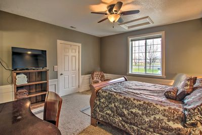 This studio sleeps 3 and has everything you need for a Utah retreat.