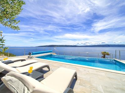 Photo for Villa 70 meters from the sea, with infinity pool and stunning views
