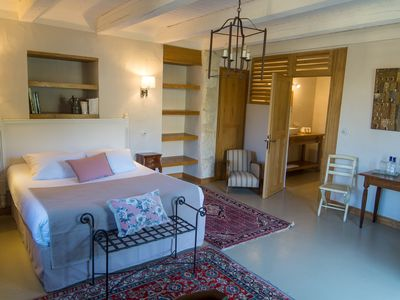 Photo for Bougainvillea room in Dordogne, with swimming pool and independent access.