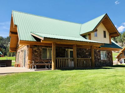 Photo for Cozy Furnished Log Vacation Home Near Stream And Mountain Views