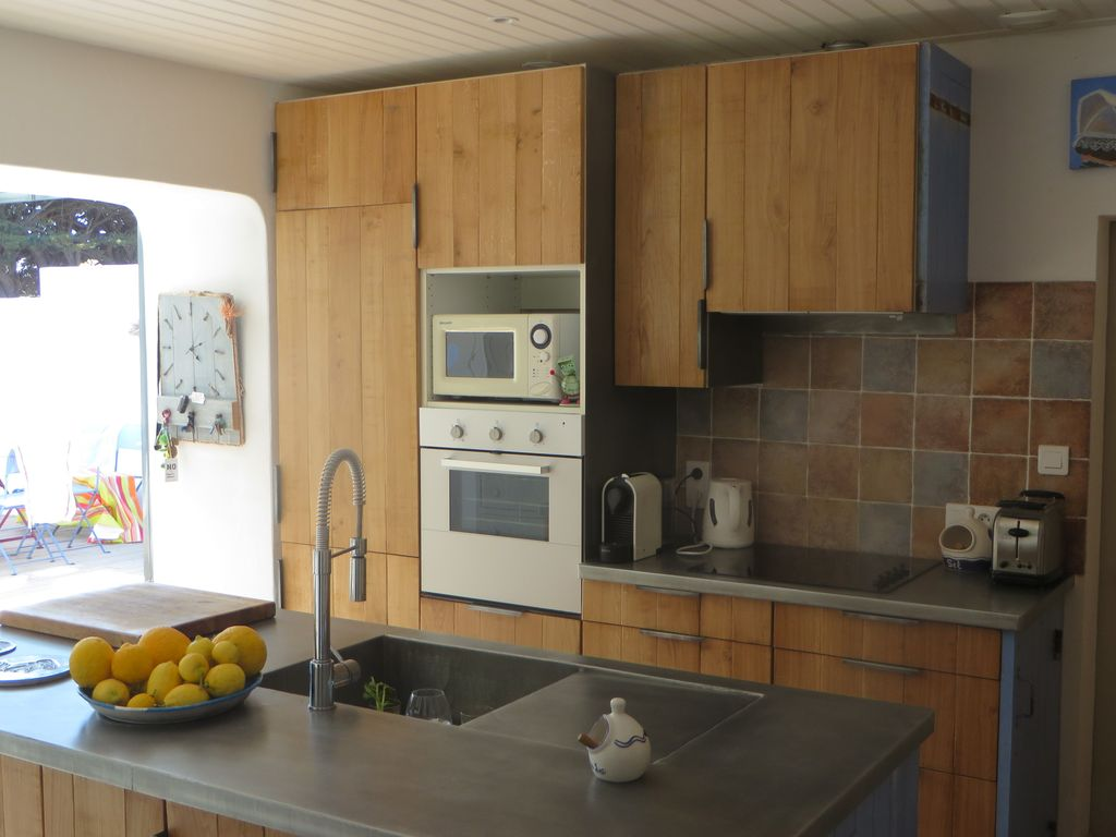 Property Image#21 Luxury 2 Bed Home In Dealu0027s Conservation Area Yards From  The Beach