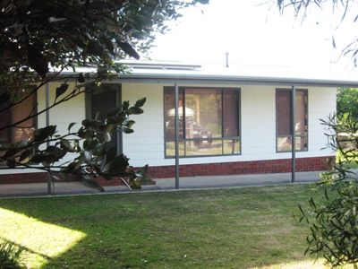 Photo for 2 Mindacowie Terrace - Middleton - The Bolt Hole