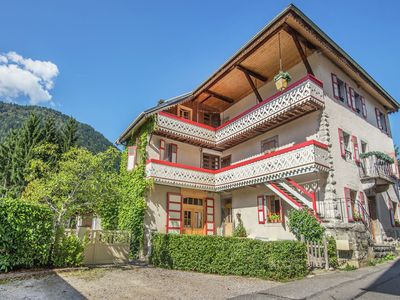Photo for Large and tasteful Alpen Chalet at the foot of the skiing area Les Portes du Soleil