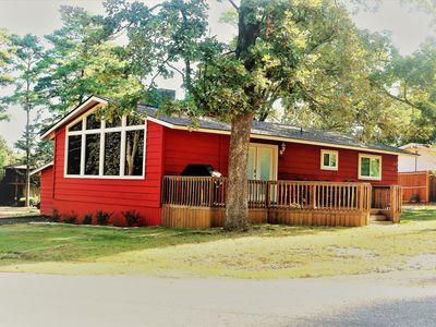 Photo for Cozy cabin in the Crestwood Subdivision at Lake O The Pines.