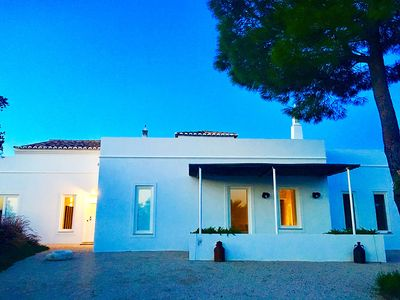 Photo for Beautiful 5 bedroom villa with pool in the middle of the orange trees in Eastern Algarve