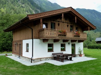 Photo for Quaint cottage in the heart of the National Park Hohe Tauern