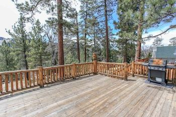 Photo for Moonridge Cabin With A View