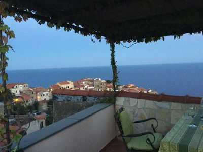 Photo for Holiday house with sea view and sun terrace, 4 km to beach