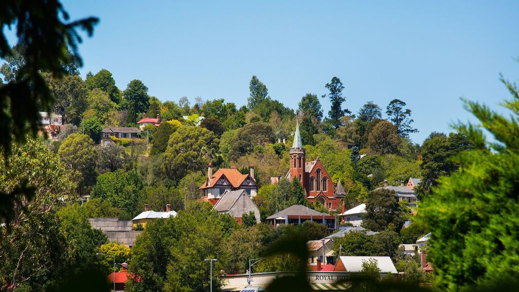 Hillside | Great for Groups in Town