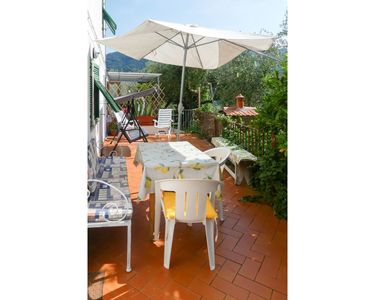 Photo for Lovely apartment for 5 guests with WIFI, pets allowed and parking