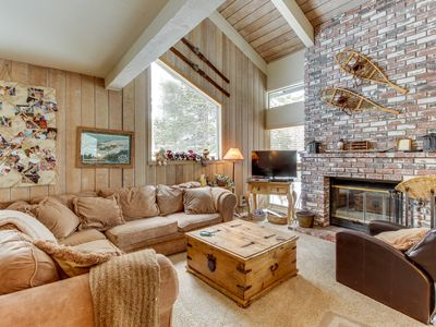 Photo for Spacious mountain home with loft and shared pool, hot tub, and sauna.