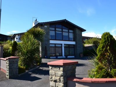 Photo for Spacious 7 bedrooms, Sea View ,Tramore Town centre