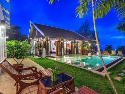 Photo for Emerald Sands  Beach Villa with Pool