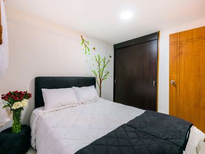 Photo for Comfy apt close to airport and city center!
