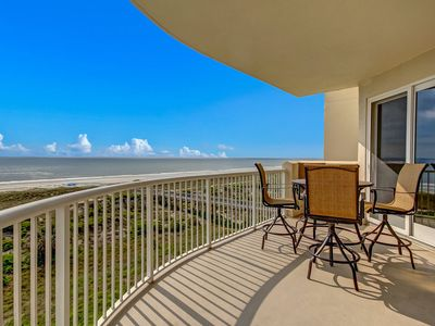Photo for Elegance on the Ocean, Condo Next to Ritz Sleeps 4 (6 with rollaway)