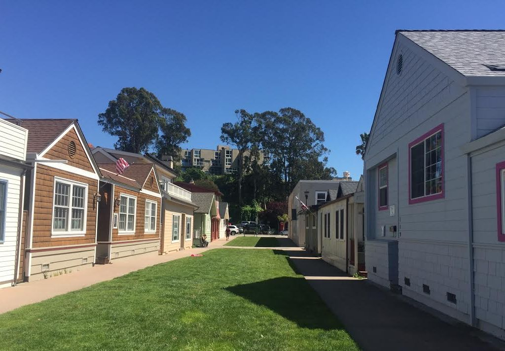 Capitola Village Lawn Way Cottage Beach House Steps To And