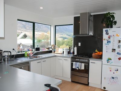 Photo for Sunny 4bd house in Frankton close to shops - amazing views!