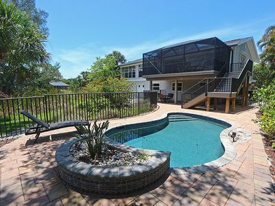 Photo for Lovely Vacation Home On Sanibel - Cosmo Cottage