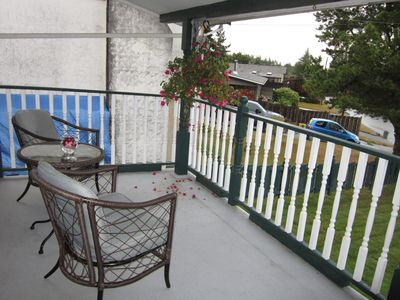 Covered deck at front