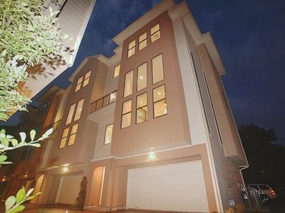 Photo for Downtown/Med Ctr Upscale Town Home (3) -Sleeps 12