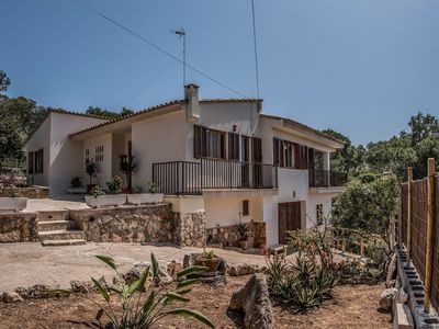 Photo for Beautiful Holiday Home by the Sea with Terrace, Garden, Air Conditioning & Wi-Fi