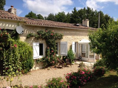 Photo for Gite - private pool, very quiet place - Entre 2 Mers countryside